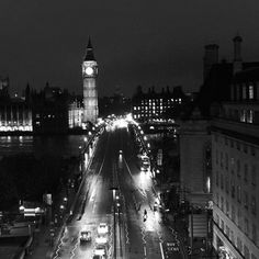 Final light in #London with an amazing view of #BigBen from our @parkplaza hotel. #travel