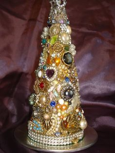 <3  Mosiac Christmas tree made from jewelry pieces