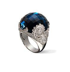 Carrera Y Carrera AQUA RING AQUA COLLECTION Ring in white gold, blue topaz and diamonds
