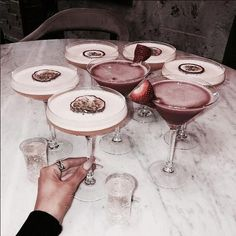 Image shared by sündos. Find images and videos about pink, food and party on We Heart It - the app to get lost in what you love. Food N, Good Food, Food And Drink, Yummy Food, Diy Food, Fancy Drinks, Yummy Drinks, Sweet Cocktails, Cocktail Drinks