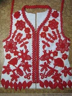 Piecing together a crochet top: Very cool idea! Filet Crochet, Freeform Crochet, Thread Crochet, Crochet Motif, Crochet Top, Crochet Lace Dress, Crochet Blouse, Irish Crochet Patterns, Russian Crochet