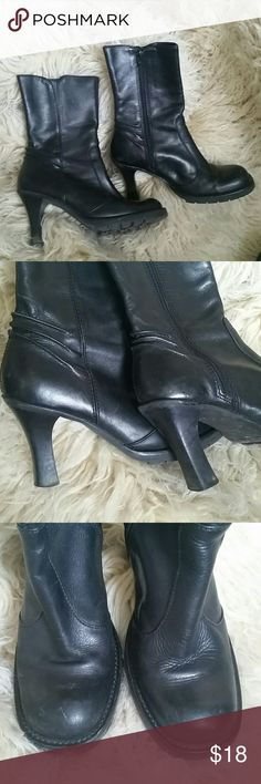 """Steve Madden Kino Boots Size 8 3.5""""  inch heel. Black leather boots do show some signs of wear. Inner zipper for easy on off. Rubber tread soles. Plenty of wear left. Steve Madden Shoes Heeled Boots"""