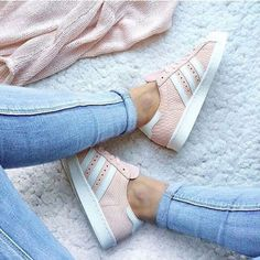 adidas, shoes, and pink afbeelding