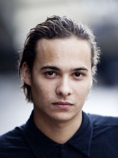 Frank Dillane. After playing the young Voldemort (Tom Riddle), he's now set to star in the Walking Dead spinoff Fear the Walking Dead, scheduled to air summer 2015.