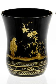 A fine South Bohemian gilt 'Hyalith' Chinoiserie beaker Circa 1825-30. Count Buquoy Glasshouse, Georgenthal or Silberberg