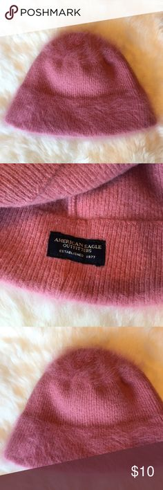 American Eagle Beanie Pink American Eagle beanie in great condition!! Only worn once or twice 💕 American Eagle Outfitters Accessories Hats