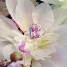 White Chocolate Diamond with Surprise 18k ring. by DiamondChocolates. diamond-chocolates.net