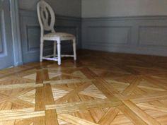 Architecture of Tiny Distinction: Dining Room Floor Types Of Flooring, Diy Flooring, Parquet Flooring, Floors, Doll House Flooring, House Tiles, Miniature Furniture, Dollhouse Furniture, Beautiful Stairs
