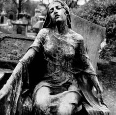"""""""Death leaves a heartache no one can heal, love leaves a memory no one can steal."""" ~From a headstone in Ireland (quote) Her face is striking. This gravestone can be found in the Cimetiere de Montmartre in Paris. Cemetery Statues, Cemetery Art, Memes Arte, Old Cemeteries, Graveyards, Bild Tattoos, Memento Mori, Oeuvre D'art, Macabre"""