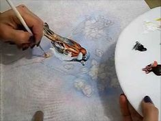 ▶ COMO PINTAR PÁSSAROS - PINTURA EM TECIDO - HOW TO PAINT A BIRD - YouTube