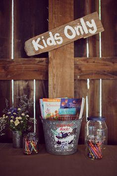 Kids only coloring table    (another image here: http://www.weddingchicks.com/gallery/diy-country-wedding/?nggpage=2=48526)