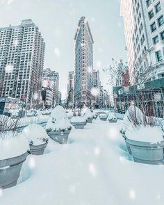 New-York sous la tempête Snowzilla Nevada, York Things To Do, New York Winter, Wanderlust, New York Pictures, Snow Photography, New York Christmas, Dream City, Concrete Jungle