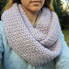 Free pattern - Thai Crochet Cowl. This stitch pattern is called Thai crochet, the jasmine stitch, or sometimes the star stitch.