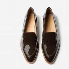 Everlane Brown Patent Leather Loafers Gorgeous Everlane loafer in Brown Patent Leather. Only wore them once for an hour. Best suited for a narrow foot. If you have any questions just ask! Everlane Shoes Flats & Loafers