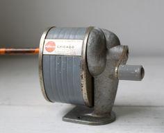 Vintage Apsco style 2A pencil sharpener