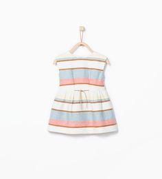 Imagem 1 de Vestido estampado riscas pormenor cinto da Zara