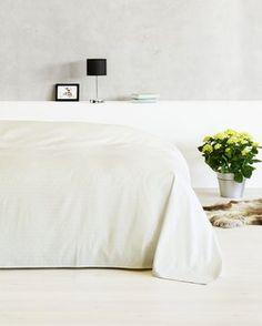 Sengetæppe - Stort udvalg af sengetæpper - Køb her Furniture, Interior, Sheets, Apartment, New Homes, Home Decor, Bed, Interior Design, Bedroom