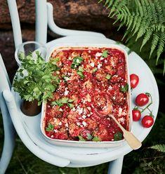 Kreikkalaiset uunilihapullat | Liha, Arjen nopeat | Soppa365 Feta, Yummy Food, Baking, Ideas, Delicious Food, Bakken, Thoughts, Backen, Sweets