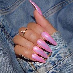 Amazing long nails on pink - Miladies.net
