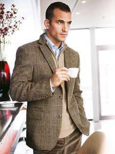 I like the texture of this sweater, and this reminds me I need an Oxford in that light blue color.