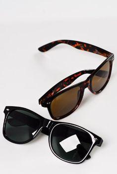 1a898fd543c Classic Eyewear 80s Retro Large Horn Rimmed Style Sunglasses 2Pack 1 Black  1 Tortoise