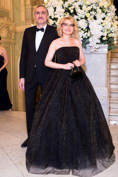 Эвелина Хромченко откровенно рассказала  о себе: В 2011 году Хромченко оформила развод с президентом Mercedes-Benz Fashion Week Russia Александром Шумским, в браке с которым родила сына
