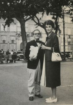 Truman Capote & Babe Paley in Gucci loafers and bag