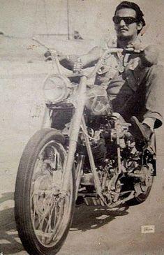 Nostalgia on Wheels: Roths Choppers Magazine - Select Biker Posters 1967 Harley Davidson Pictures, Classic Harley Davidson, Biker Clubs, Motorcycle Clubs, Angel Pictures, Guy Pictures, Old School Vans, Vintage Biker, Hells Angels
