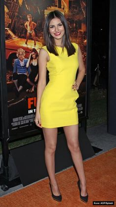 outfit + make-up (victoria justice)