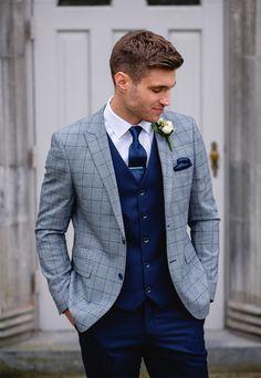 Colección Benetti Mix and Match Groomswear, trajes de novio, trajes de padrinos de boda, tres . Groom Outfit, Groom Attire, Groom Suit Trends, Groom And Groomsmen Suits, Grooms In Suits, The Groom, Designer Suits For Men, Stylish Suit, Wedding Men