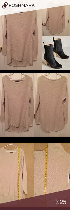 Michael Stars swing tunic size M/L in nude Perfect winter staple. Cozy yet it still breathes. Perfect with leggings and boots. ❌trades or off-site transactions.I offer a variety of sizes in my closet therefore I do NOT model items.•I will counteroffer with the best value I can offer•I have 2 littles &🚑 an illness that sometimes requires serious medical attention and alot of hospital visits.📬Sometimes shipping takes a little longer because of my illness but usually I get it out within 2…