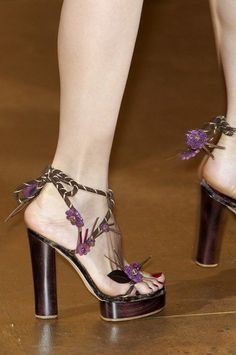 The most beautiful shoes in world's fashion shows for spring and ...