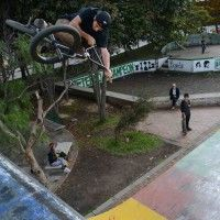 OJOBMX Andres caviedes table