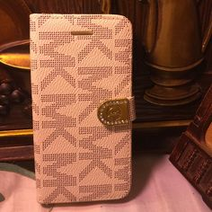 Luxury wallet case for S6 Samsung 6 case Used few times like new Accessories Phone Cases