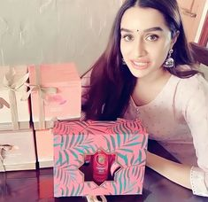 Shraddha Kapoor Cute, Cute Attitude Quotes, Ideas For Instagram Photos, Young Actors, Stylish Girls Photos, Most Handsome Men, Beautiful Dream, School Hacks, Hollywood Actor
