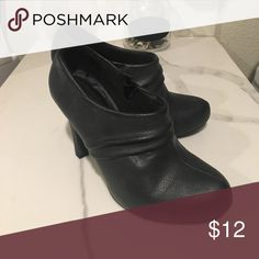 Madden girl black booties Excellent used condition , black booties , 6 1/2 Steve Madden Shoes Ankle Boots & Booties