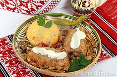 Traditional cuisine in Romania: sarmale. for weddings, Christmas,funerals. Romanian Food, Romanian Recipes, Romanian Wedding, Wedding Poses, Wedding Ideas, Love And Marriage, Main Dishes, Tasty, Lunch