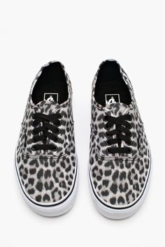 fb379f29b6 Everything is better with an animal print. Vans Animal Print