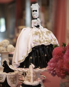 marie antoinette cake from the cake opera company