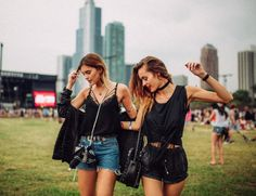 http://www.revelist.com/style-news/lollapalooza-outfits-2016/4003/Friendship is the best accessory :)/13/#/13