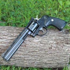 Couger, Colt Python barrel on a Ruger frame Big Guns, Cool Guns, Weapons Guns, Guns And Ammo, Colt Python, Revolver Pistol, Custom Guns, Shotgun, Firearms