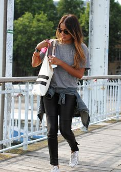 Leather pants with zippers in combination with easy t-shirt grey