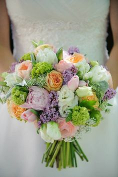 pastel bouquet I think this is exactly what I want for bridesmaids