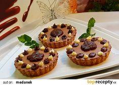Ovocné a čokoládové mini koláčky recept - TopRecepty.cz Muffin, Breakfast, Food, Morning Coffee, Essen, Muffins, Meals, Cupcakes, Yemek