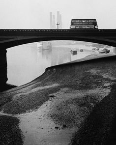 """luzfosca:  Bill Brandt Battersea Bridge, 1930's  """