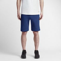 AMPLE STORAGE. COMFORTABLE FEEL. The Nike Tech Fleece Men's Shorts feature an oversized, bonded zip pocket at the right leg and soft, insulating fabric for athletic style and total comfort. Benefits Stretch waist with exterior drawcord for a snug, adjustable fit Front bonded zip pocket, side pockets and back zip pocket for versatile storage Nike corporate logo for athletic style Product Details Fabric: Body: 66% cotton/34% polyester. Pocket bags: 100% nylon. Machine wash Imported