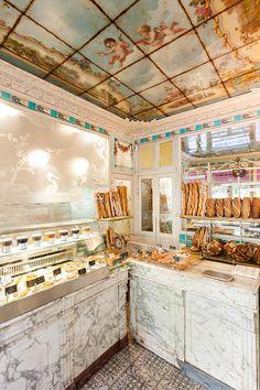 """Ancienne boulangerie parisienne """" Le Moulin de la Vierge"""""""