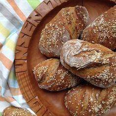 Overnight zwirbel roll with spelled and rye - Food and Drink Vegetarian Breakfast Recipes Easy, Easy Recipes For Beginners, Pampered Chef, Bread And Pastries, Dessert Drinks, Desserts, No Bake Treats, Special Recipes, Cooking Recipes