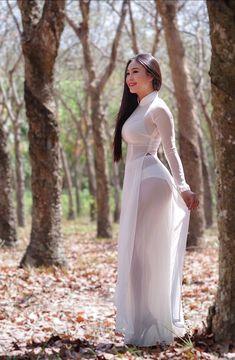 Pin on アオザイ « Luna Margarin - 美しさ Cute Asian Girls, Sexy Hot Girls, Beautiful Asian Women, Ao Dai, Traditional Dresses, The Dress, Asian Woman, Sexy Dresses, Asian Beauty