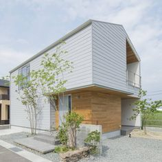 Building Facade, Building A House, Japanese Modern House, Zen House, Compact House, Unique House Design, Modern Tropical, House Landscape, Modern Barn